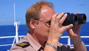 Los 10 mejores prismáticos marinos
